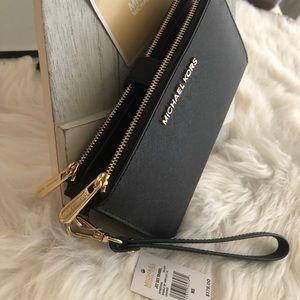 New MK double zipper wallet 🖤